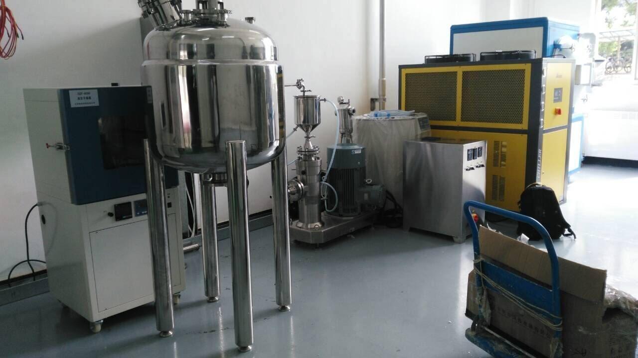 加快节能石墨设备研究开发